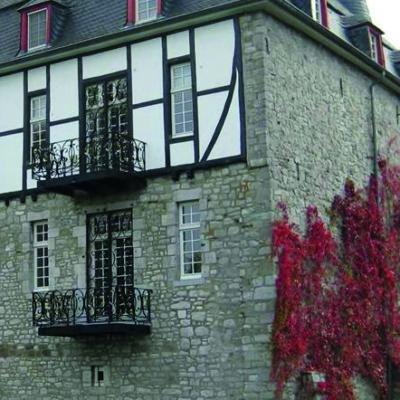 Fassade aus Fachwerk und Mauerstein