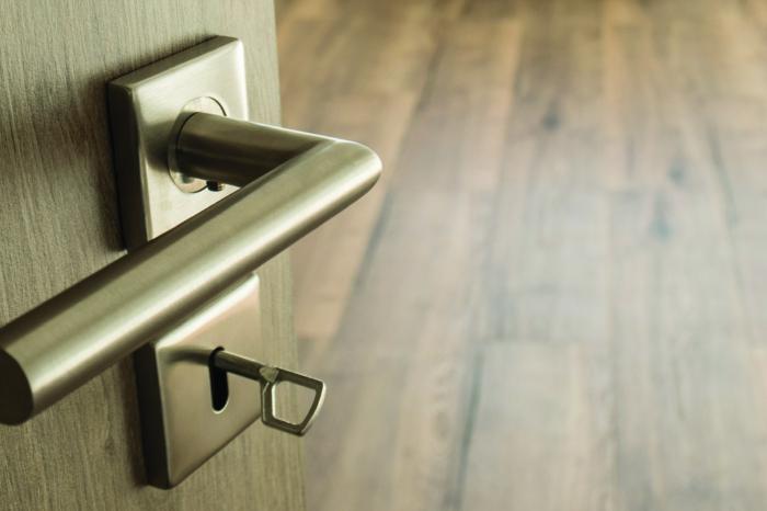 Innenraumansicht von Tür und Heizung